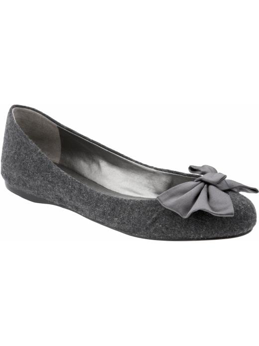 br882604 00vliv01 20% Off Shoes and Accessories at Banana Republic until 1/24