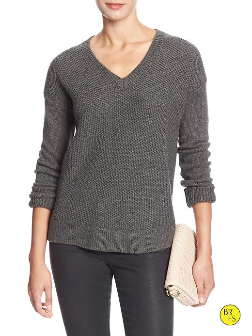 Banana Republic Factory Mixed Stitch Vee Sweater Size M - Dark charcoal