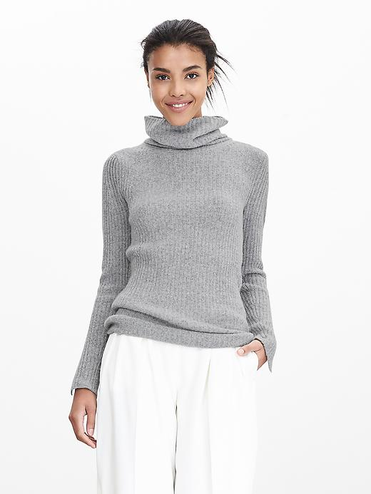 Banana Republic Ribbed Turtleneck Sweater Size L - Cream