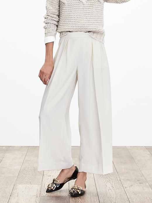 Banana Republic White Pleated Wide Leg Crop Size 4 Petite - Cocoon
