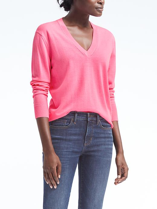 Banana Republic Machine Washable Merino Boyfriend Vee Size L Petite - Hot pink