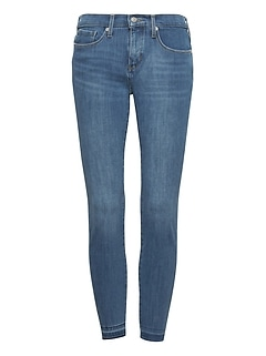 Skinny Zero Gravity Light Wash Ankle Jean with Fray Hem