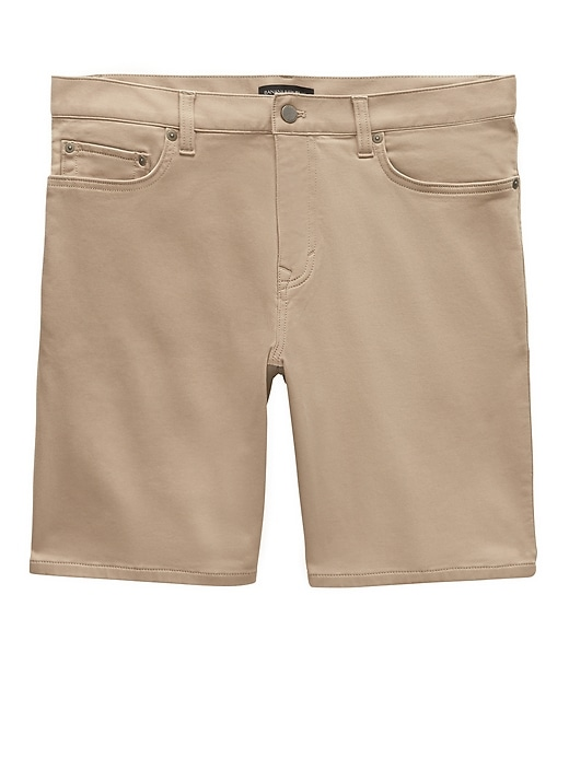 "9"" Traveler Aiden Slim Short by Banana Repbulic"