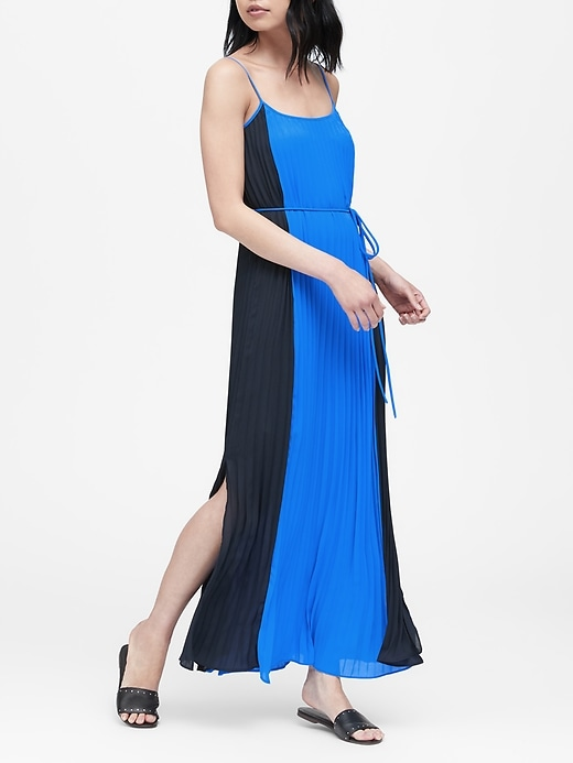 Petite Color-Blocked Pleated Maxi Dress