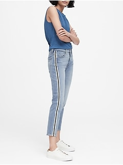 Petite Mid-Rise Relaxed Straight Jean