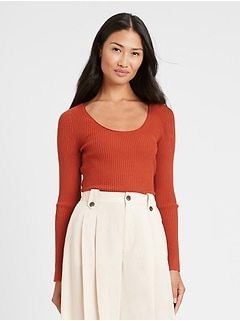 Fitted Scoop-Neck Sweater Top